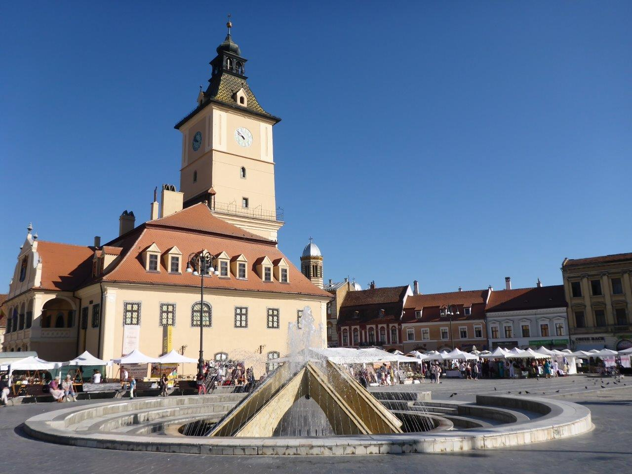 the-main-square-in-brasov-old-town4